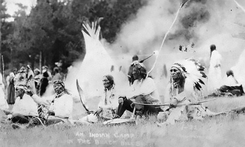 rushmore-nativea-sioux.jpg__1000x600_q85_crop_subsampling-2_upscale